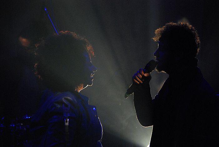 A cantora contou com a participação do músico Léo Fressato. Foto: Halanna Aguiar/Curitiba Cult
