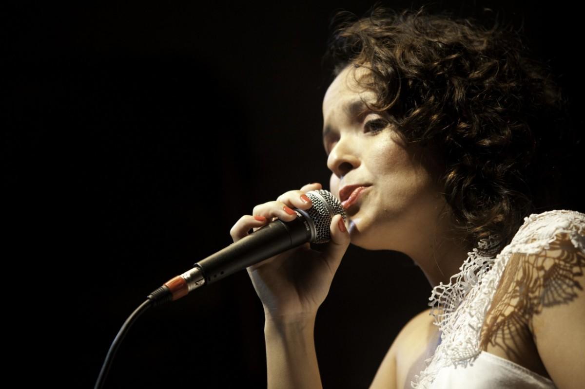 Thayana Barbosa